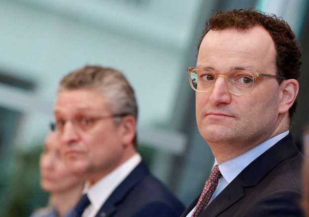 German health minister wants to extend entry ban