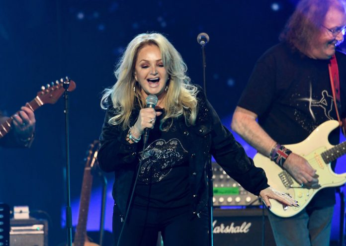 Bonnie Tyler's mind goes blank over new album on Loose Women