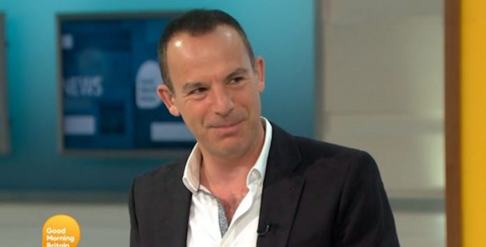 Martin Lewis defends decision not to wear a tie as he makes GMB debut