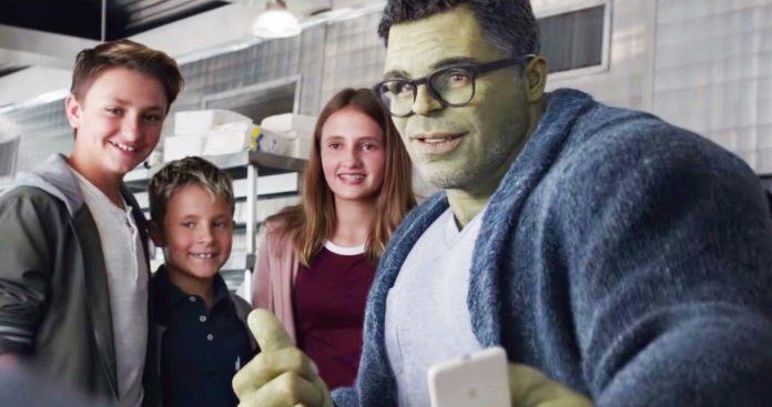 She-Hulk Set Photos Have Mark Ruffalo Returning as Mo-Cap Hulk in Disney+ Series