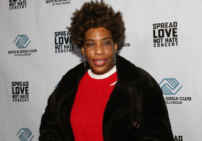 Singer Macy Gray doubles down on her call to replace American flag